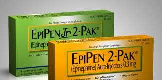 Упаковка препарата «ЭпиПен» (EpiPen, эпинефрин).